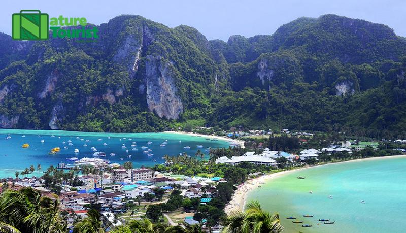 Phuket từ lâu đã trở thành thiên đường du lịch biển được nhiều du khách trong và ngoài nước yêu thích
