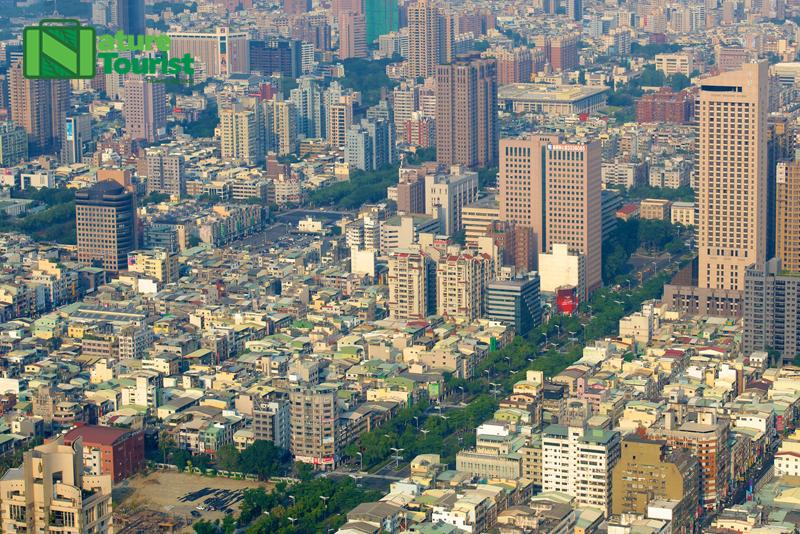 Khung cảnh Cao Hùng nhìn từ tòa tháp Tunex Sky
