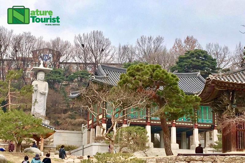 den-duoc-xay-dung-tu-nam-794-tcn-duoi-thoi-vua-wonseong